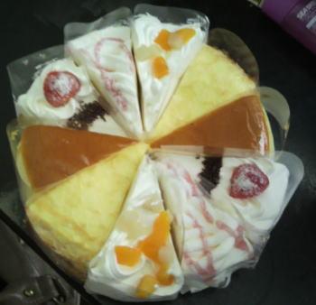 ケーキ10個で1ホール.jpg